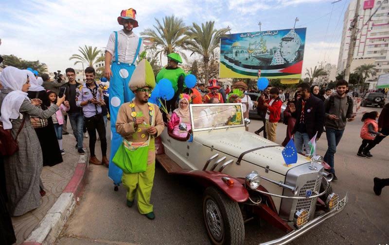 Gaza celebra un inusual carnaval para expresar alegría y voluntad de paz