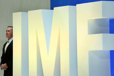 FMI proyecta que economía de Ecuador se contraerá un 0,5 pct este año