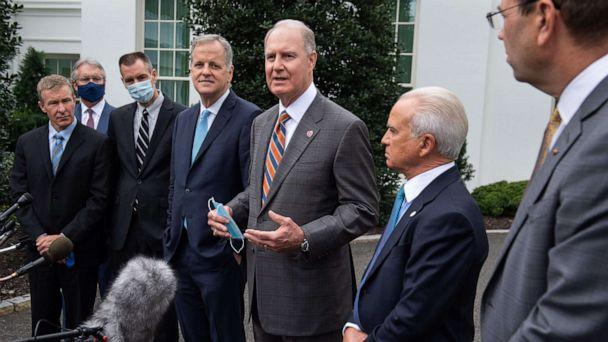 PHOTO: Southwest Airlines Chairman and CEO Gary Kelly, center, speaks alongside other airline executives, following a meeting at the White House about extending economic assistance to the airlines, Sept. 17, 2020. (Saul Loeb/AFP via Getty Images)