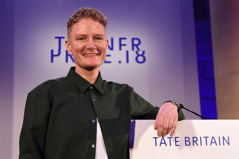 La artista británica Charlotte Prodger habla luego de ser anunciada hoy como la ganadora del Premio Turner 2018, en el Tate Britain en el centro de Londres (Reino Unido). El Premio Turner busca reconocer, desde 1984, a los mejores artistas británicos menores de 50 años.