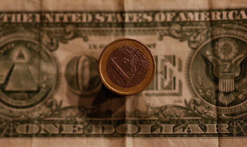 Forex: euro mantiene soglia 1,12 dollari, poco mosso da Pmi manifattura dicembre