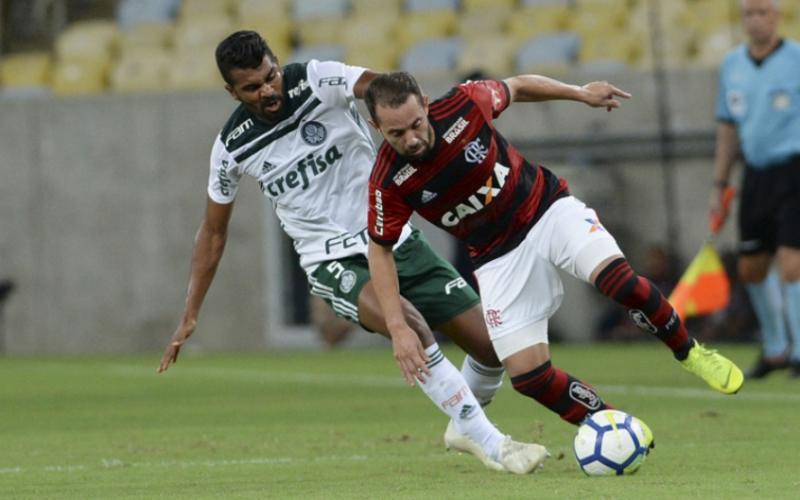 Éverton Ribeiro fala sobre briga pelo título: 'Muito campeonato pela frente'