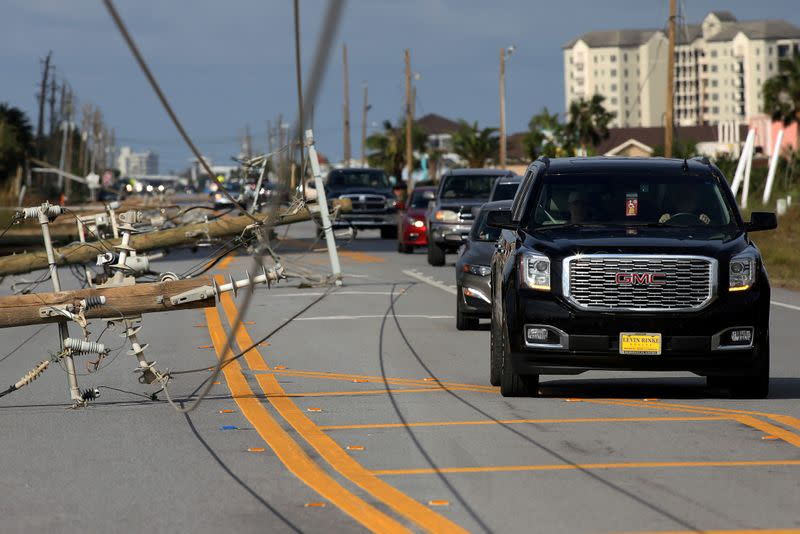 Around 295,000 without power from Hurricane Sally in Alabama, Florida