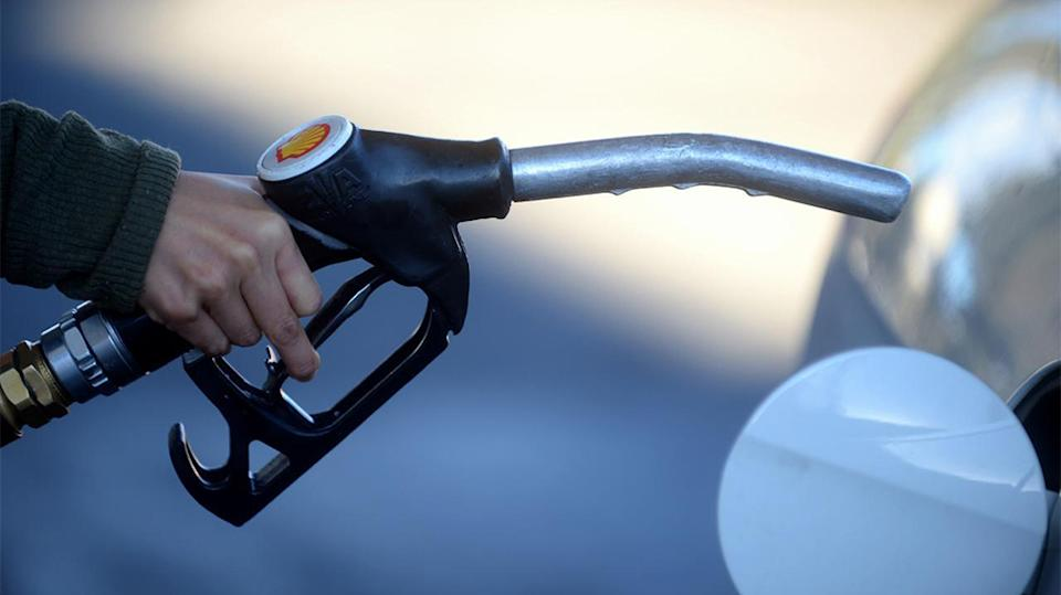 Qld calls on ACCC to give fuel price data""