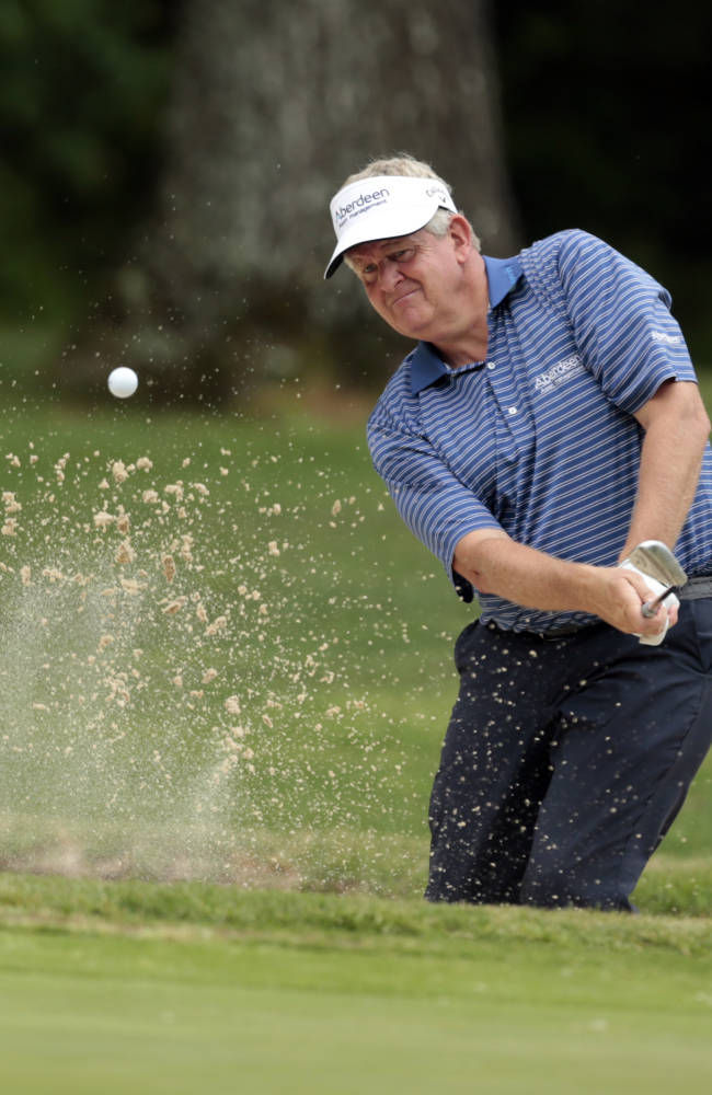 Colin Montgomerie shoots 70 to take Senior PGA lead