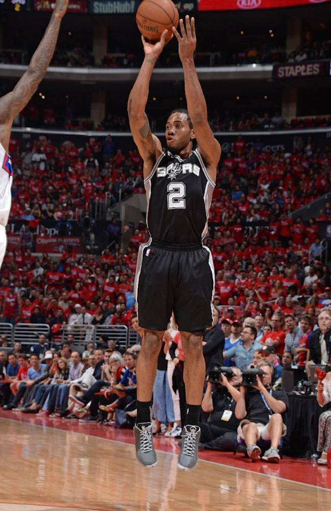 AP Source: Leonard, Spurs agree on parameters of 5-year deal