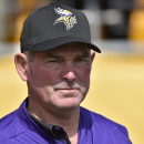 Wait, what? Minnesota coach Mike Zimmer gives odd answer on Sam Bradford's health