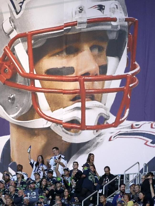 Patriots fans rally in support of Tom Brady