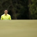 Rory McIlroy of Northern Ireland walks up to the 18th green during the final round of the Masters golf tournament at the Augusta National Golf Course in Augusta, Georgia April 12, 2015.  REUTERS/Brian Snyder