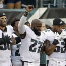 Chris Long on anthem protest support: 'Time for people that look like me' to step up