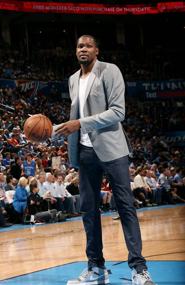 Durant to have another surgery, miss rest of season