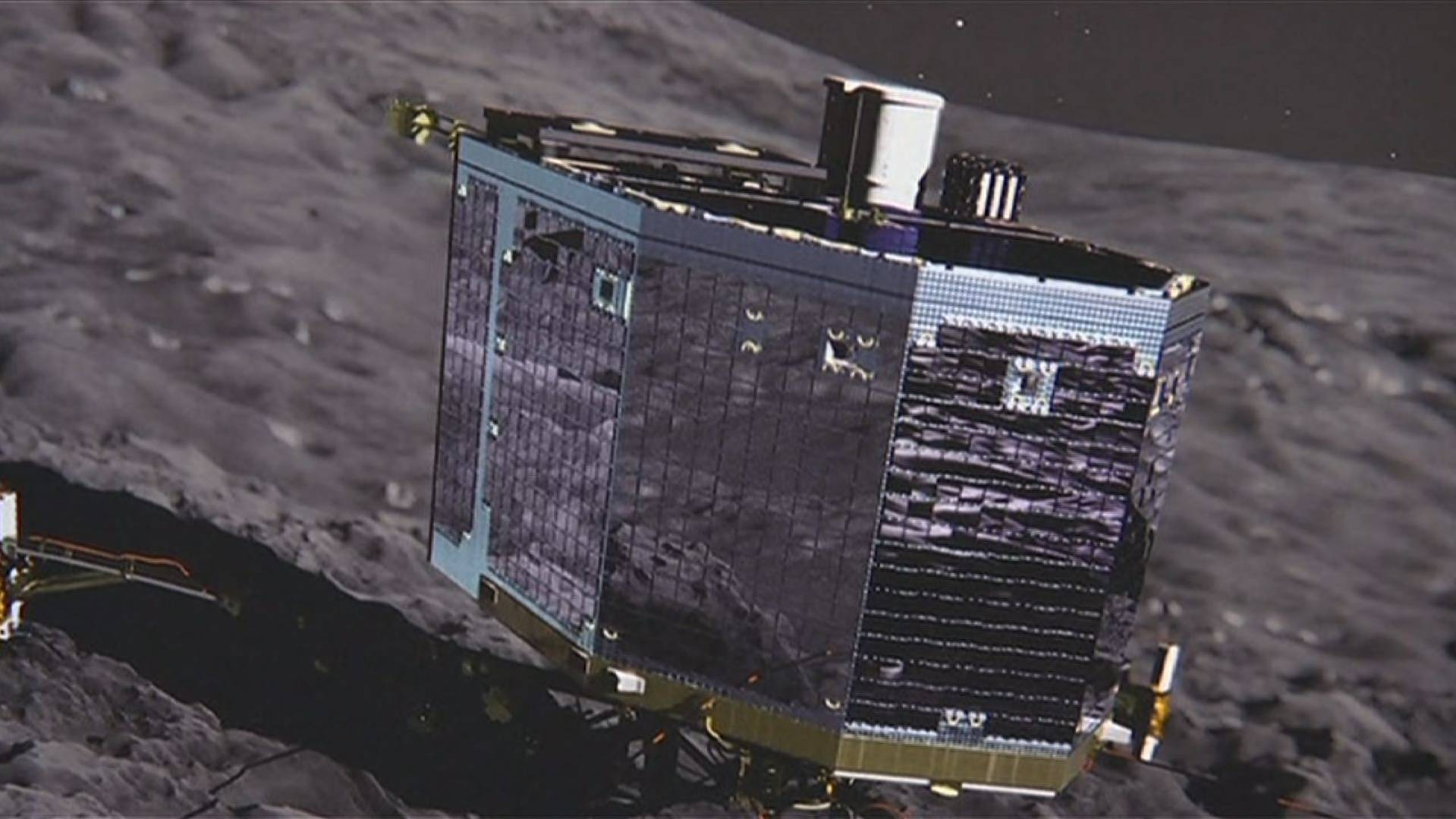 Spacecraft on Comet Wakes Up After 7 Months