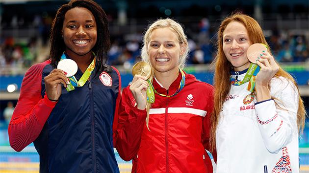 Simone Manuel wins silver in Women's 50m freestyle