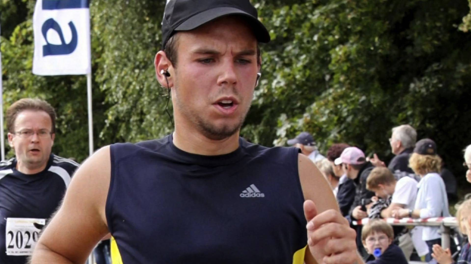 Germanwings co-pilot 'practised descent on previous flight'
