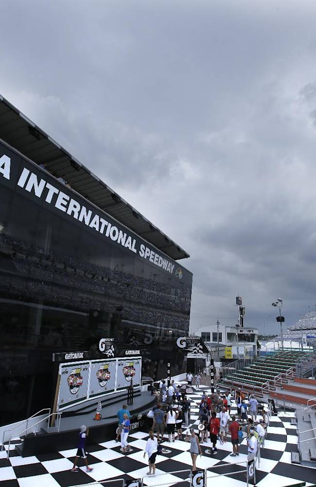 Earnhardt to start on pole after rain washes out qualifying
