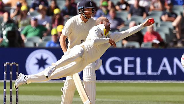 Stunning Lyon, Starc catches floor England