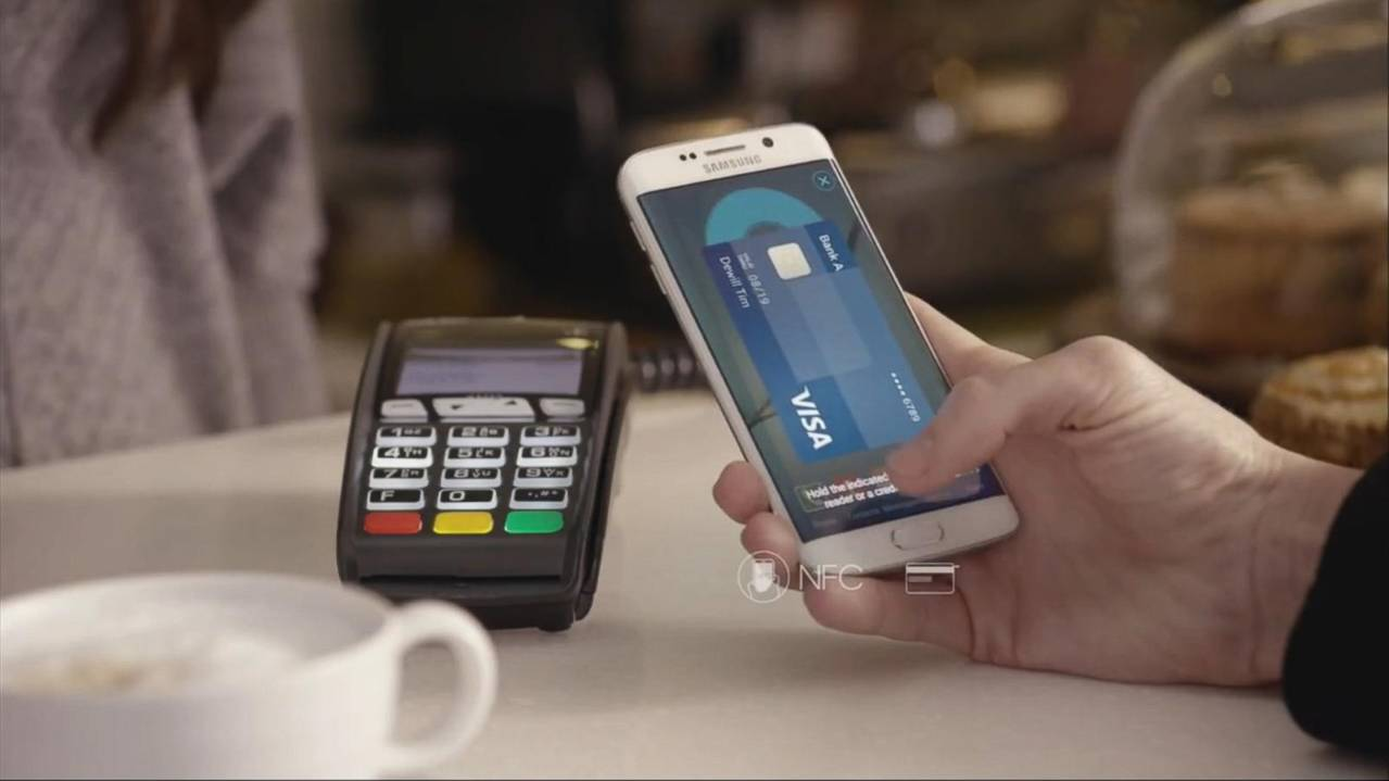Samsung Takes on Apple Pay With New Mobile Pay Service