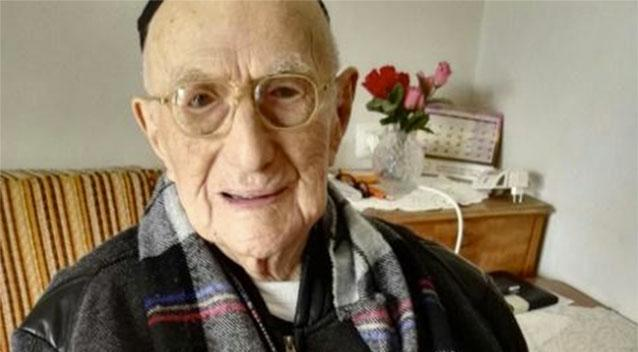 The worlds oldest man Yisrael Kristal has reportedly died