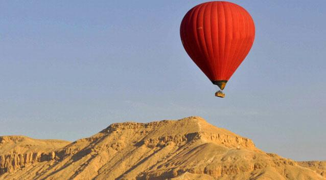 Egypt hot air balloon crash: casualties reported