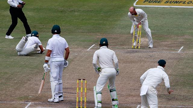 Mitchell Starc swings first Test Australia's way as South Africa crumble