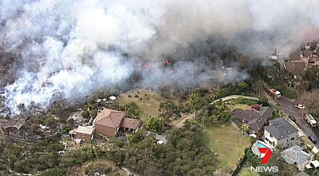 Homes threatened by Hunter region blaze