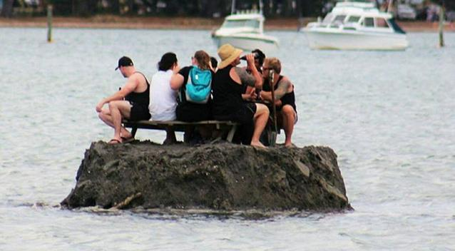 New Zealanders Dodge NYE Alcohol Ban By Building Their Own Island