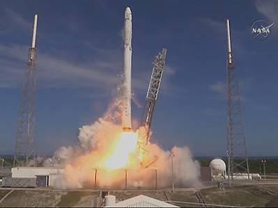Raw: SpaceX Launches Groceries to ISS