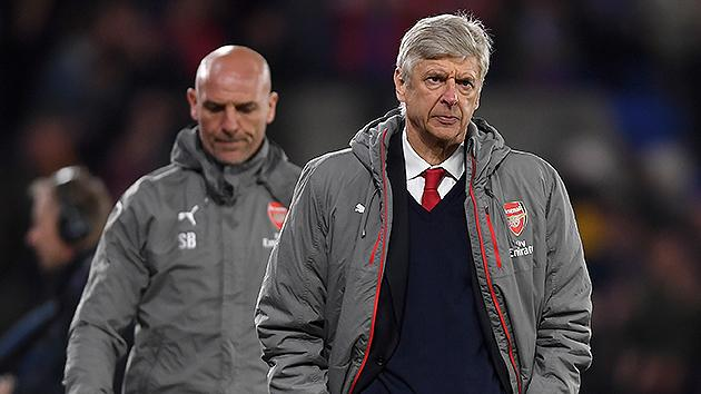 Wenger avoids future discussion after Palace loss