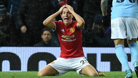 Ander Herrera Manchester United derby dive booking