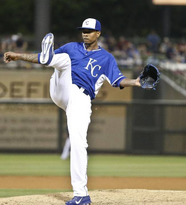 Yordano Ventura pitches 7 innings of no-hit ball for Royals