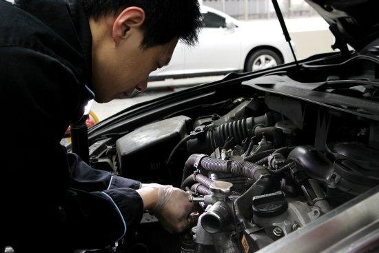 photo 2: 遠離事故/泡水/計程車~中古車基本檢視法則簡介