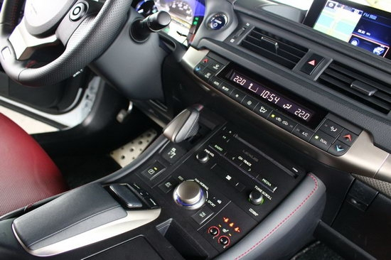 photo 12: 活潑又不失穩重的小將:Lexus CT200h F Sport
