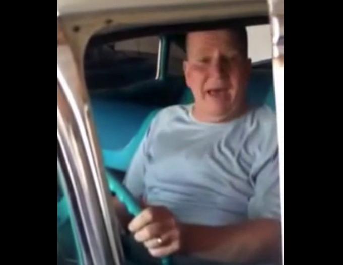photo 1: 兒銘記8歲時的承諾,老爸57歲生日時送上雪佛蘭名車
