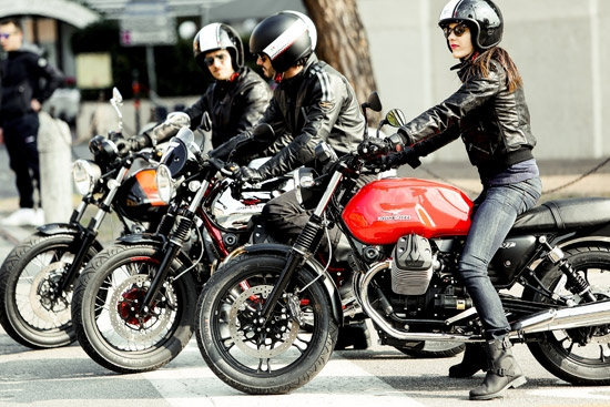 photo 2: MOTO GUZZI-V7