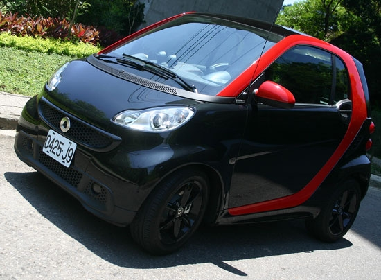 photo 1:   城市小辣椒 Smart Fortwo Turbo Sharp red出擊