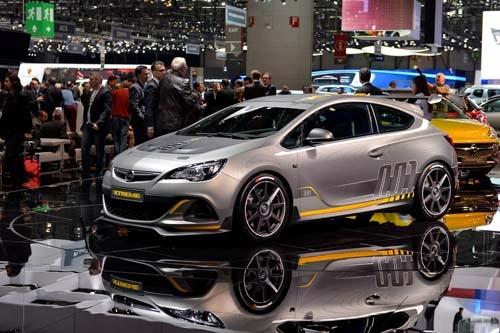 閃電狂砲Opel Astra OPC Extreme
