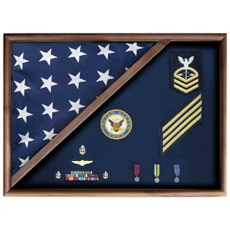 Walnut 5 X 9.5 Flag Memorial Case - Folded Corner
