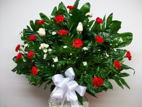 Red Carnation Tribute Basket ES3051
