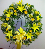 Sunshine Tribute Wreath ES3096