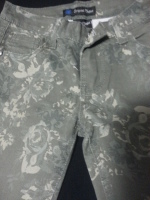 Girls pants with flower print
