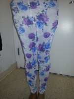 Trendy Floral on white Leggings