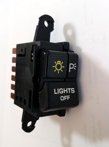HEAD LIGHT SWITCH (106865)