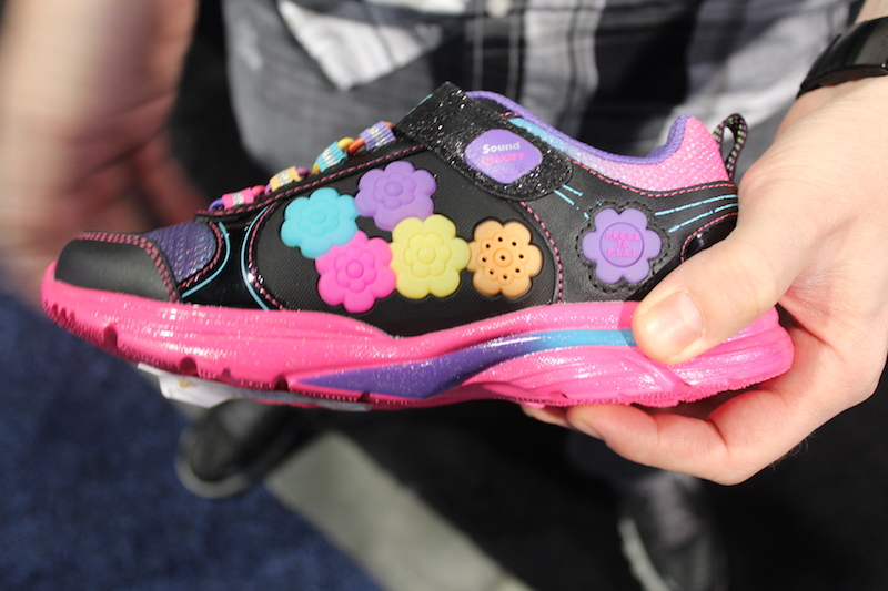 Skechers Game Kicks Let Your Kids Play Simon On Their Shoes Ces 2015 Business Resource Center