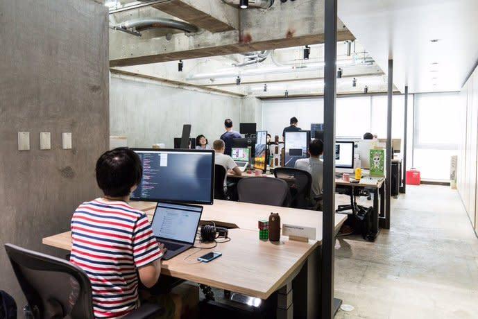 日本政府砸570兆救經濟,專家認為有助於中小企業生存發展。(photo by Twitter)