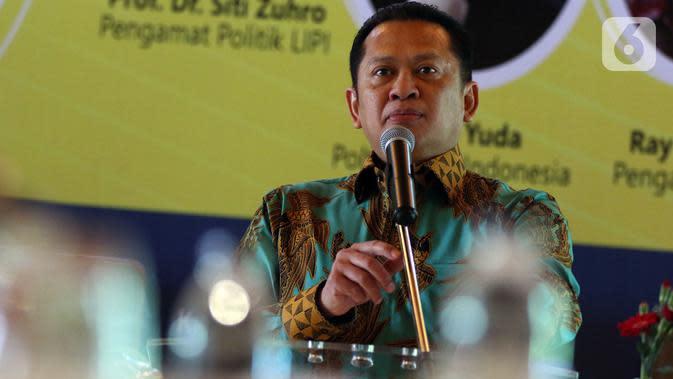 Ketua MPR Bambang Soesatyo (Bamsoet) menjadi pembicara kunci dalam acara diskusi publik yang diselenggarakan Posbakum Golkar di Jakarta, Selasa (12/11/2019). Diskusi tersebut membahas mengangkat tema 'Golkar Mencari Nakhoda Baru'. (Liputan6.co/Johan Tallo)