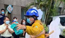 森林大火救災英雄回家場面感人 禍首恐被求償上億元