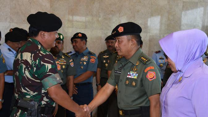 Panglima TNI Rotasi 14 Posisi Pejabat Tinggi TNI AD dan AL