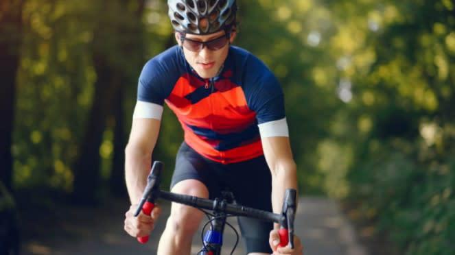 Ilustrasi bersepeda/olahraga.