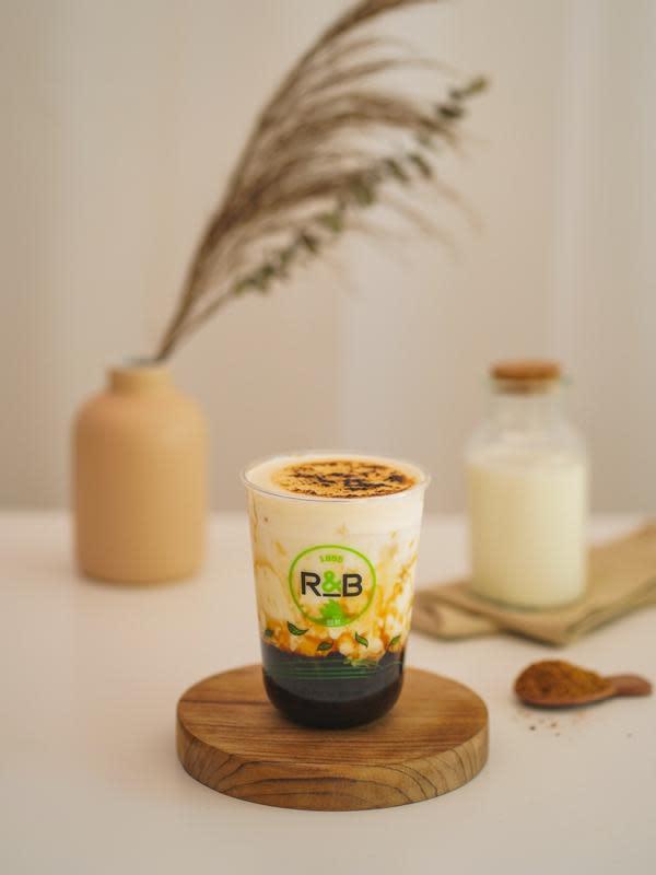 Cheese Brulee Brown Sugar Pearl Fresh Milk dari R&B Tea. (dok. R&B Tea)