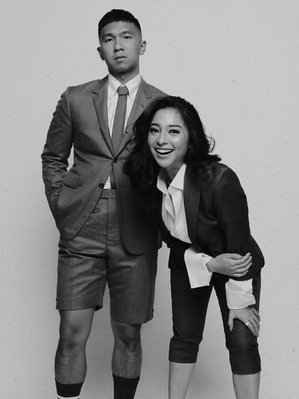 Saat menjadi bintang tamu Okay Boss yang dipandu Raffi Ahmad, Indra mengaku telah menyiapkan tempat untuk bulan madu ketika sudah resmi nikah. (Instagram/indpriw)